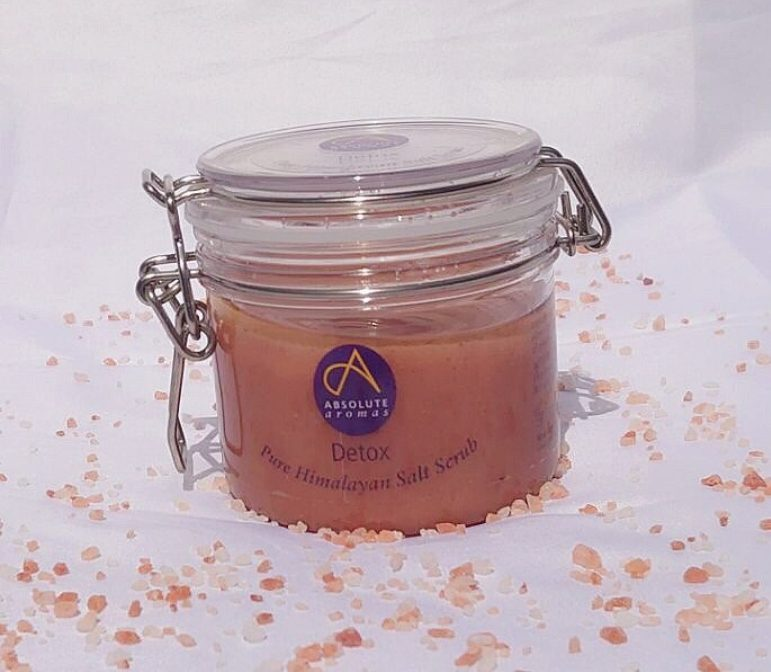 pot de gommage au pur sel de l'himalaya
